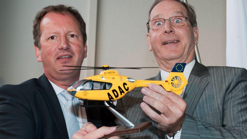 Abgehoben: ADAC- Präsident Meyer (rechts) und Ex-Eurocopter-Chef Lutz Bertling