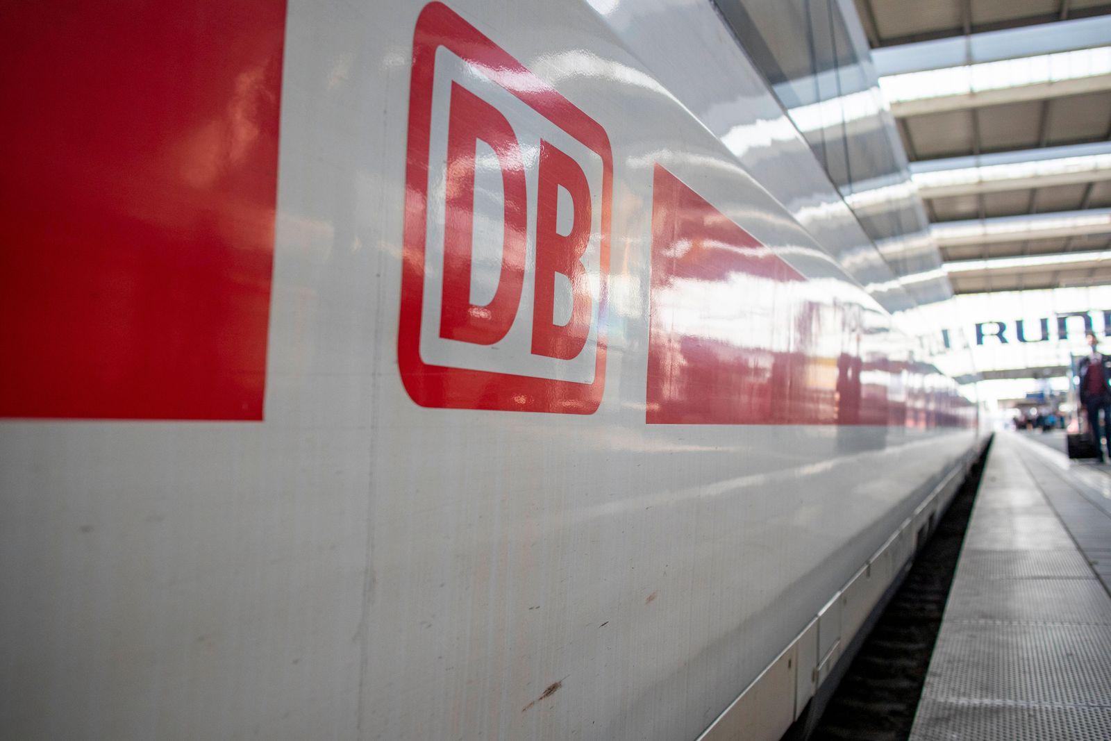 ICE Train At Munich Main Station *** ICE Train At Munich Main Station