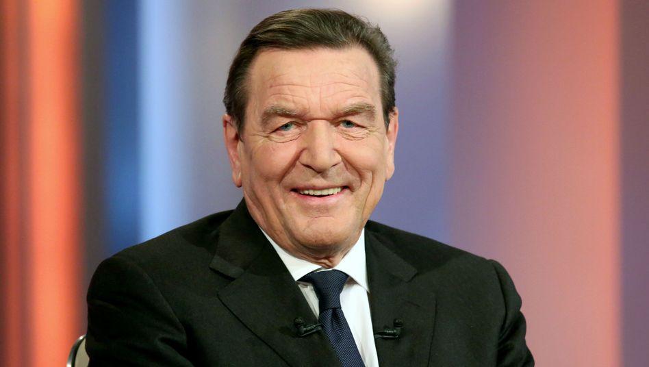 """Ex-Bundeskanzler Schröder: """"Eindeutiger"""" Interessenkonflikt?"""