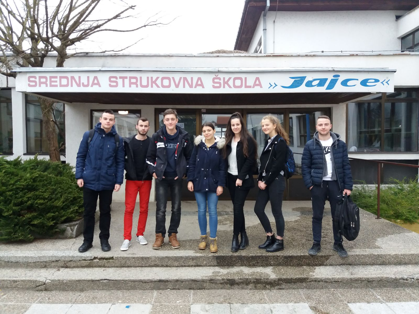 EINMALIGE VERWENDUNG Bosnien/ Schuelerproteste