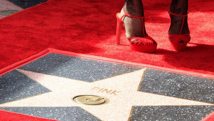 """Pinks Stern auf dem """"Walk of Fame"""": """"Surreale"""" Auszeichnung"""