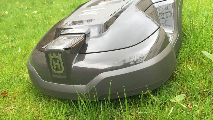 Husqvarna Automower 310 im Test: Der Mähroboter für schwieriges Gelände
