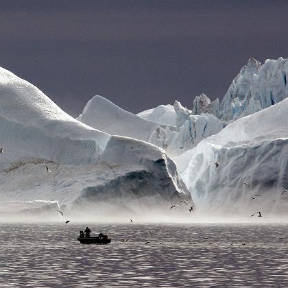 Eisfjord in Grönland: Eisschmelze lässt Meeresspiegel schneller steigen.