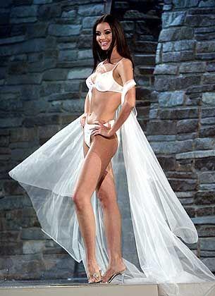 Auch im Bikiniwettbewerb setzte sich die Russin klar durch