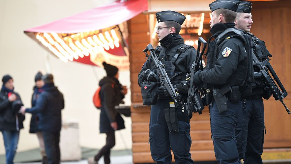 Polizisten in Straßburg