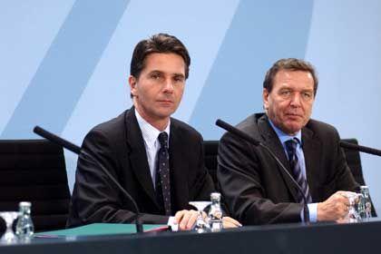Bela Anda (li.) und Gerhard Schröder: Durch den Kakao gezogen