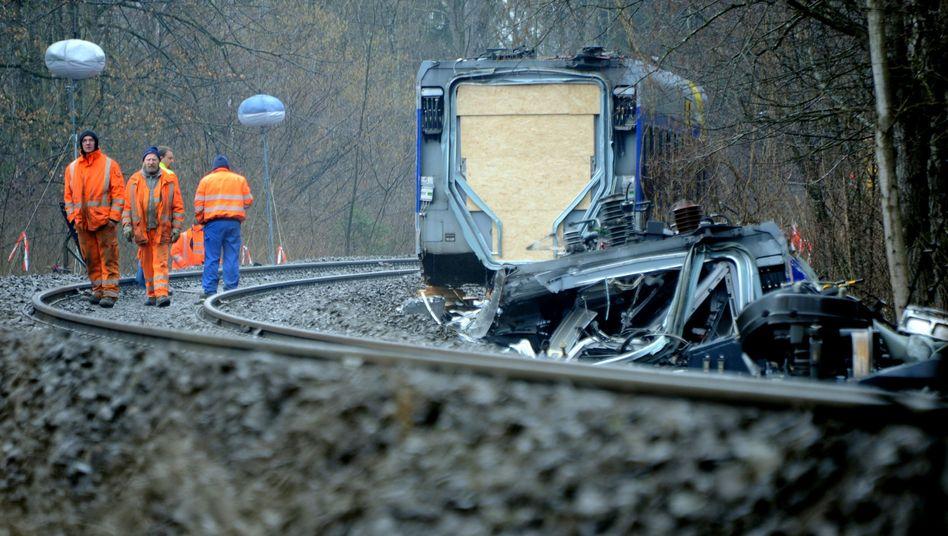 Ermittlungen der Staatsanwaltschaft: Fahrdienstleiter verursachte Zugunglück von Bad Aibling