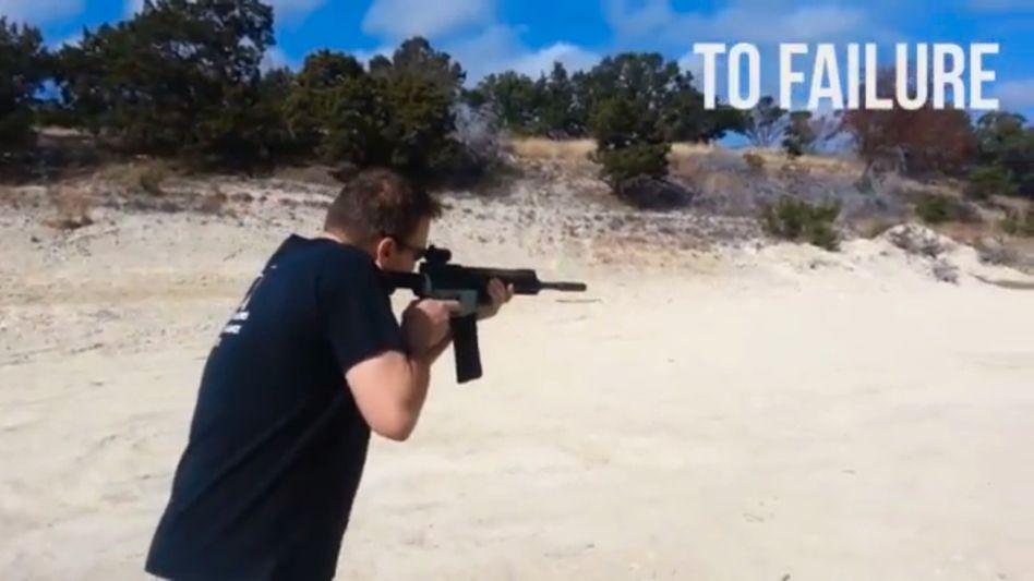 """YouTube-Film vom Testlauf (Screenshot): Die """"Wiki Weapon"""" polarisiert"""