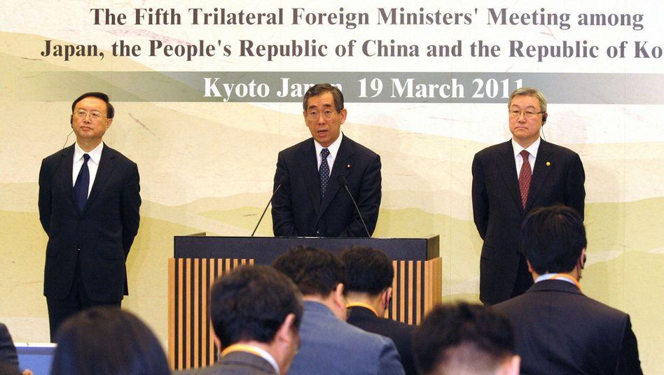 Außenminister von Japan, China und Südkorea: AKW-Pakt