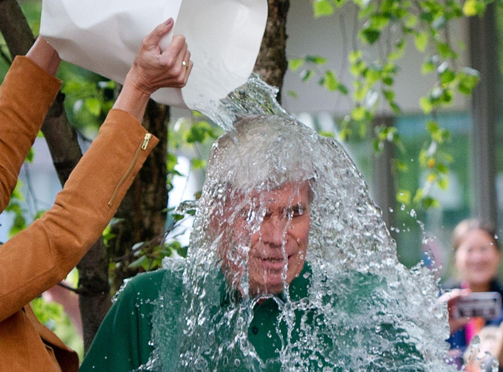 Ice Bucket Challenge/ Michael Otto