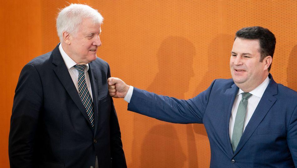 Horst Seehofer und Hubertus Heil bei der Kabinettssitzung