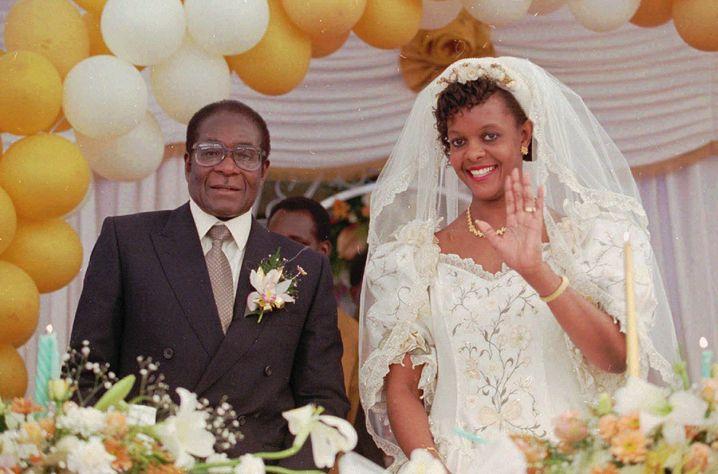 1996 heirateten Robert und Grace Mugabe