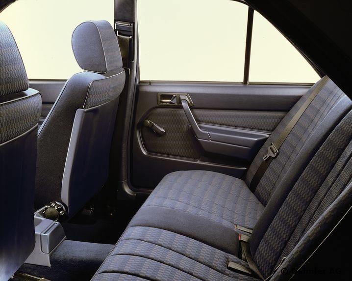 Eher spartanische Ausstattung im Mercedes-Benz Typ 190 E
