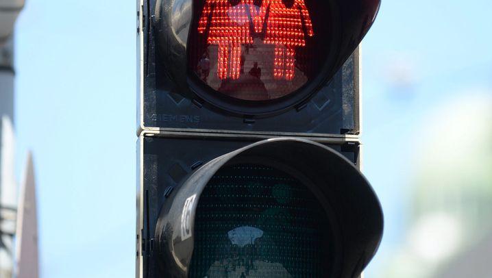 Homo- und Heteropärchen auf Ampeln: Wiens gleichgeschlechtliche Verkehrszeichen
