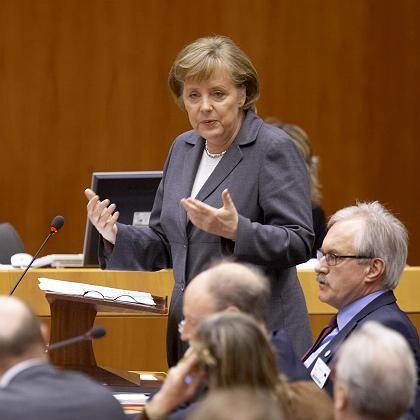 Merkel spricht vor den EU-Parlamentariern: