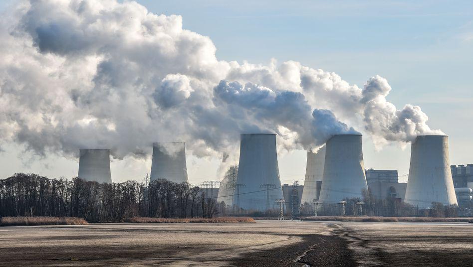 Braunkohlekraftwerk Jänschwalde in der Lausitz