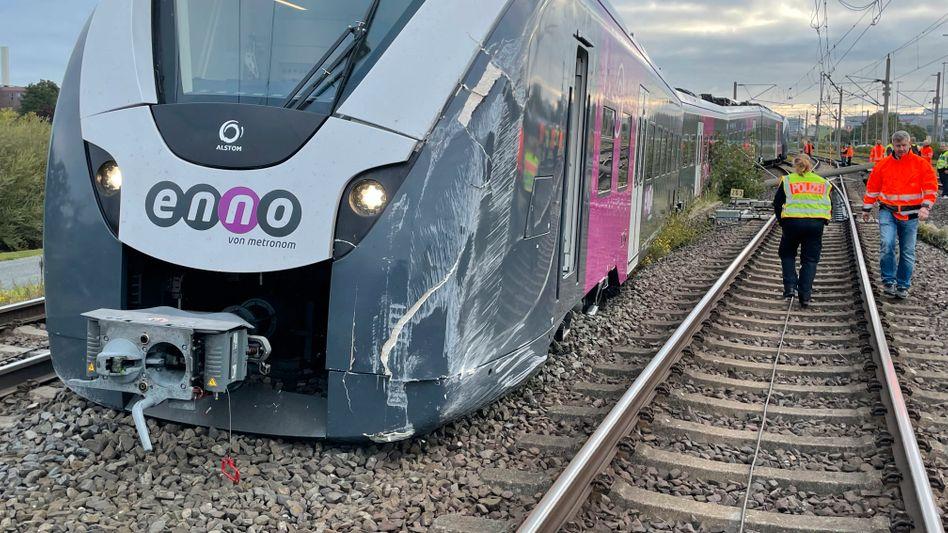 Entgleiste Regionalbahn: Zugausfälle und Verspätungen bis Dienstag