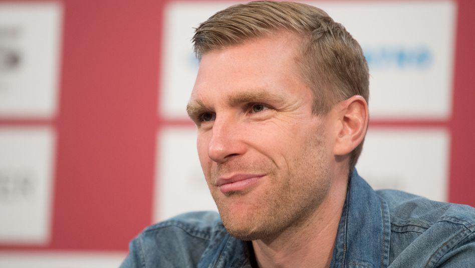 """Ex-Fußballprofi Mertesacker (Archivbild): """"Da ging schon einiges her im WohnzimmerMertesacker"""""""