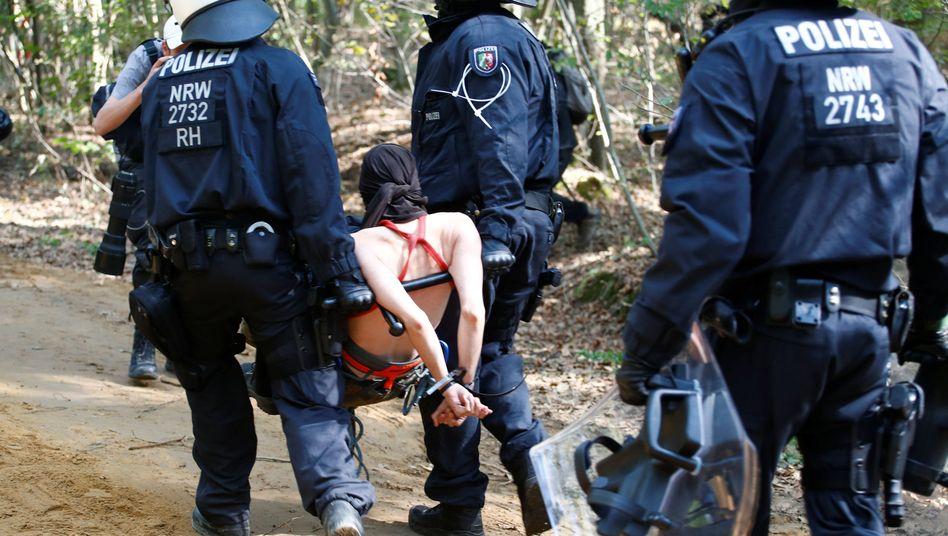 """Räumung des """"Hambacher Forst"""""""
