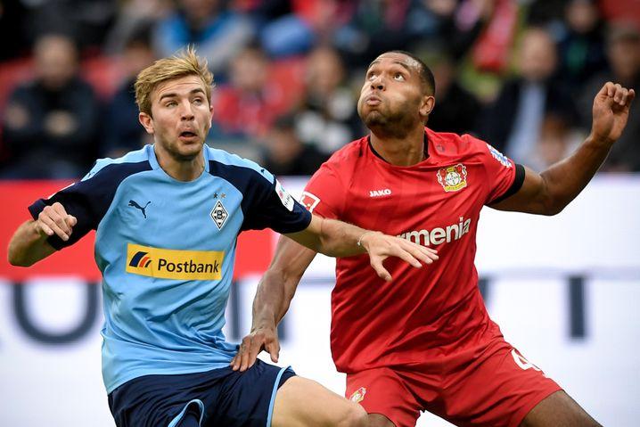 Seit 2015 spielt Jonathan Tah (r.) für Bayer Leverkusen. Bei der Werkself ist der 23-Jährige der Abwehrchef.