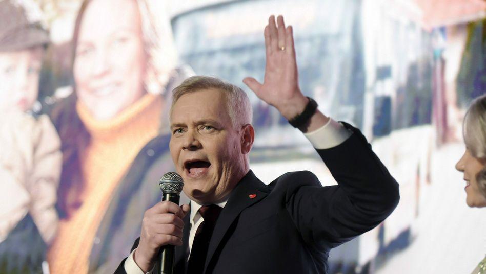 Antti Rinne (SDP): Gute Laune auf der Wahlparty in Helsinki