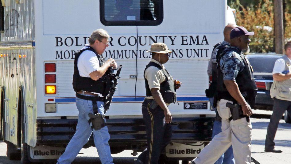 Polizisten auf dem Campus der Delta State University: Suche nach dem Schützen