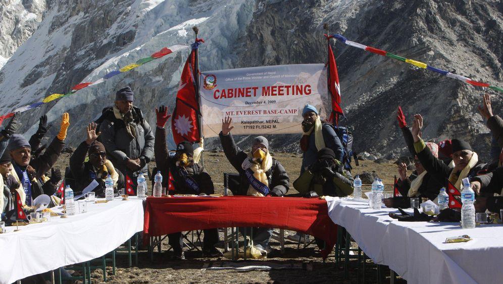 Nepals Regierung: Klimagipfel auf dem Gipfel