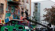 """Räumung von """"Liebig 34"""" - Polizei bringt knapp 20 Personen aus besetztem Haus"""