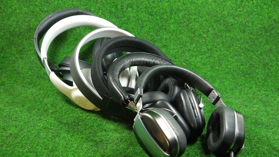 Einige der getesteten Kopfhörer