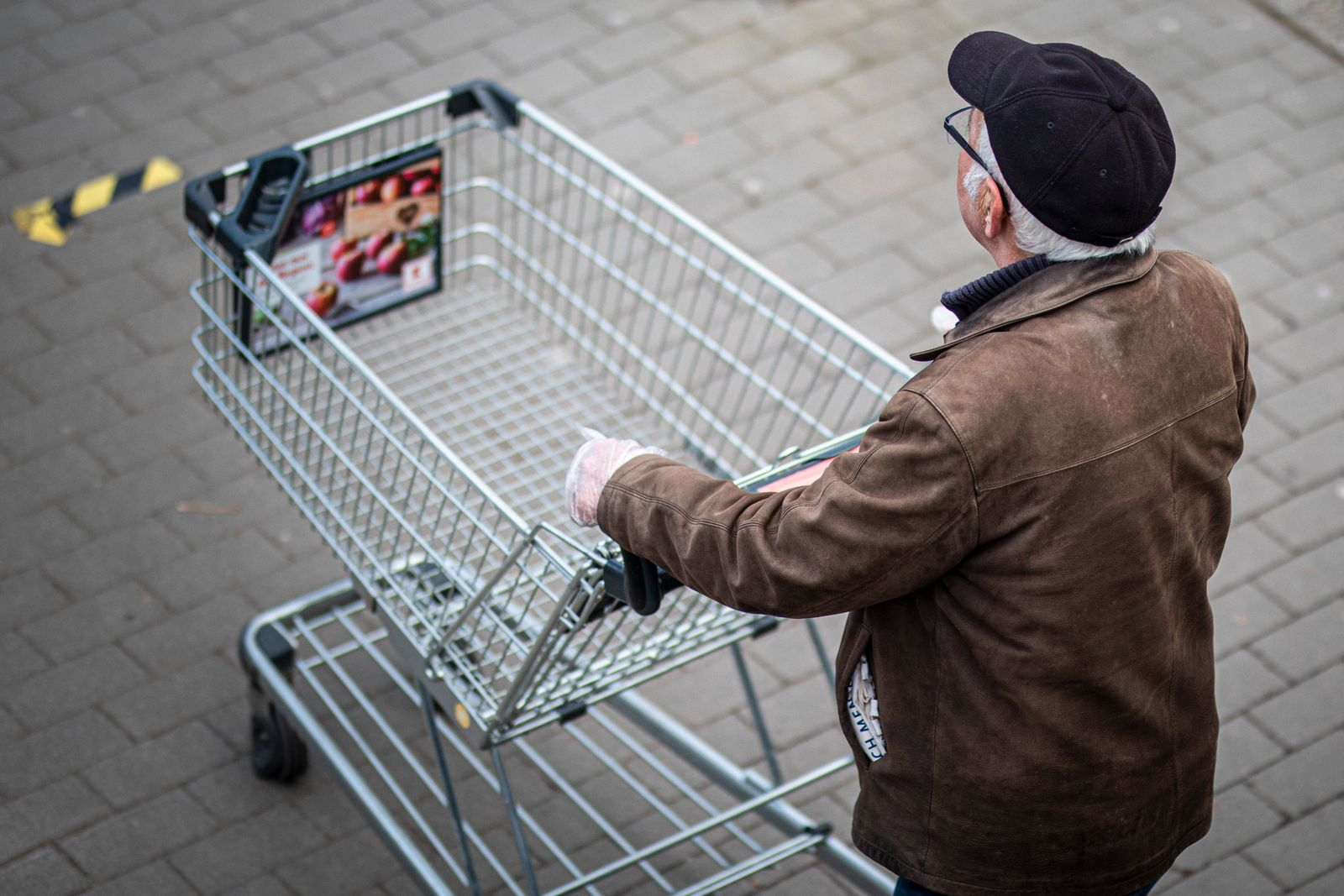 Admission Restrictions For Entering Supermarkets