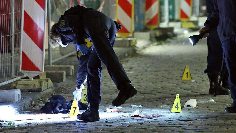 Einsatz am Tatort: Kriminaltechniker in der Dresdner Innenstadt(Archivbild)