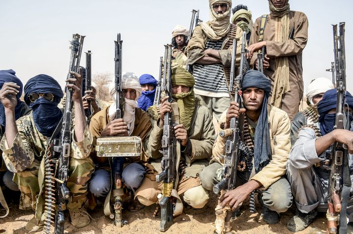 Militante Kämpfer der MSA in der Wüste bei Ménaka (Februar 2018)