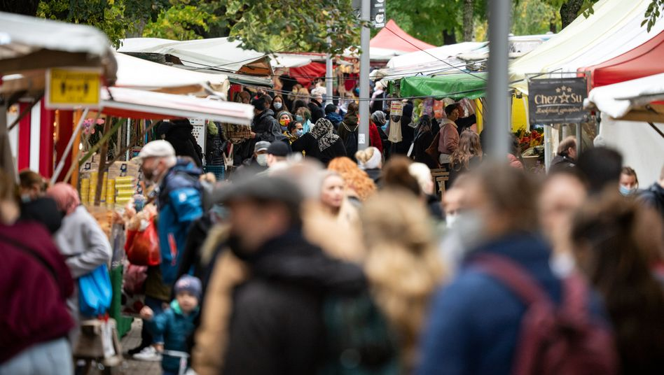 Ein Markt in Berlin-Neukölln im Herbst 2020