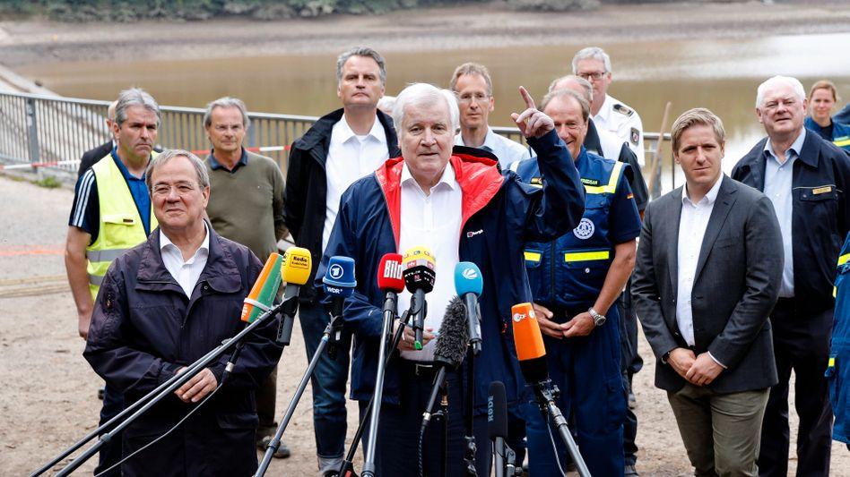 Armin Laschet und Horst Seehofer besuchen die Steinbachtalsperre: Bei Wahlen wählt man nicht Programme