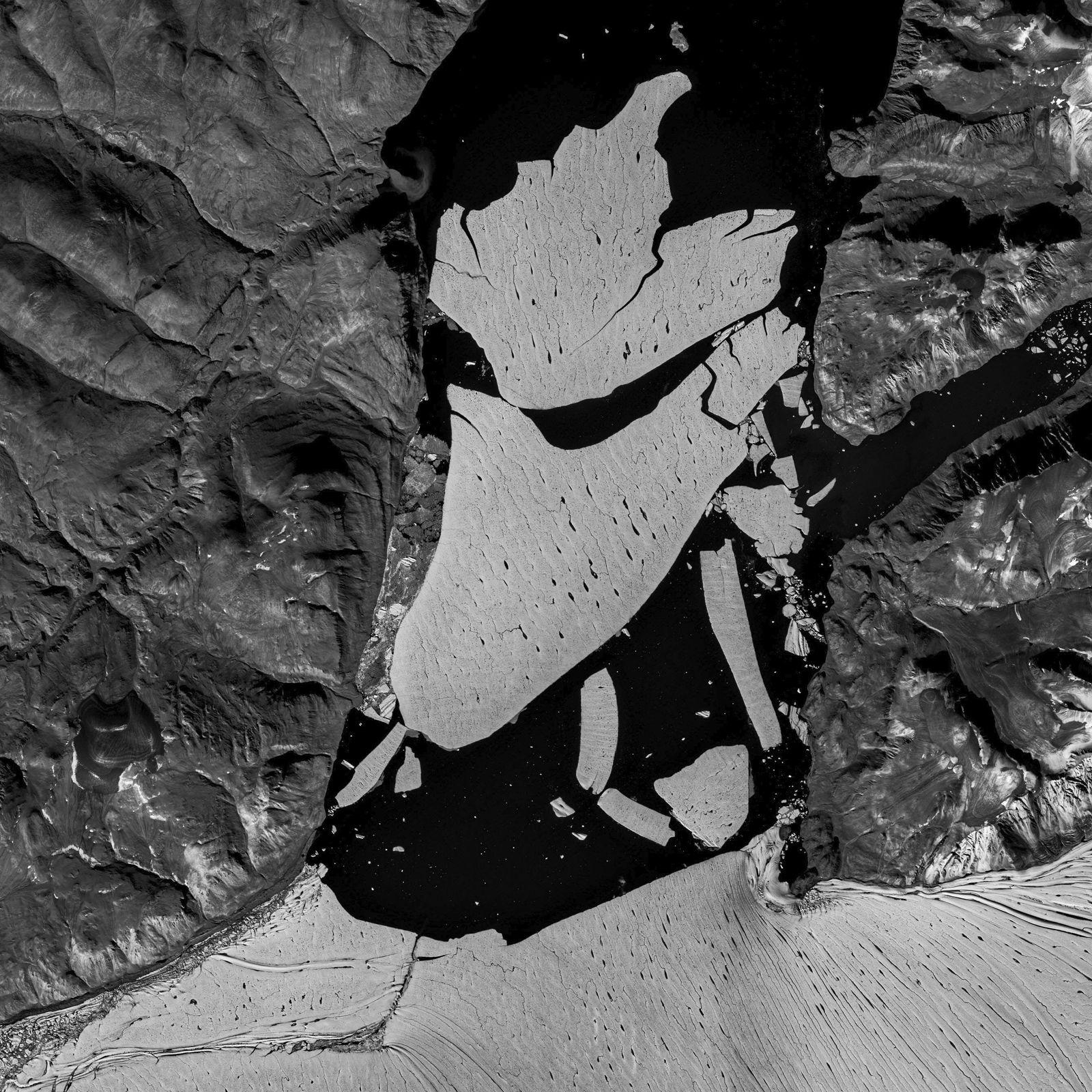 Großes Stück der Eisdecke von Grönland abgebrochen