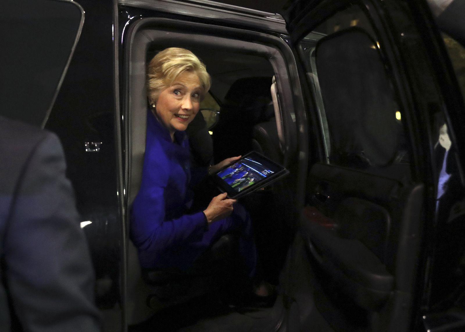 Campaign 2016 Clinton World Series