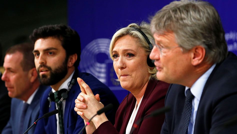Marine Le Pen, Jörg Meuthen (r.): Zusammenschluss der rechten Kräfte