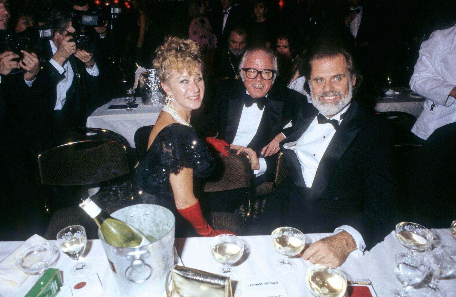v.li.: Helen Mirren, Sir Richard Attenborough, Taylor Hackford 01/86 ru Helen Mirren, Sir Richard Attenborough und Regi