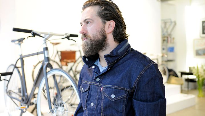 Fahrrad-Bekleidung für den Herbst: Wie Humphrey Bogart auf dem Rad
