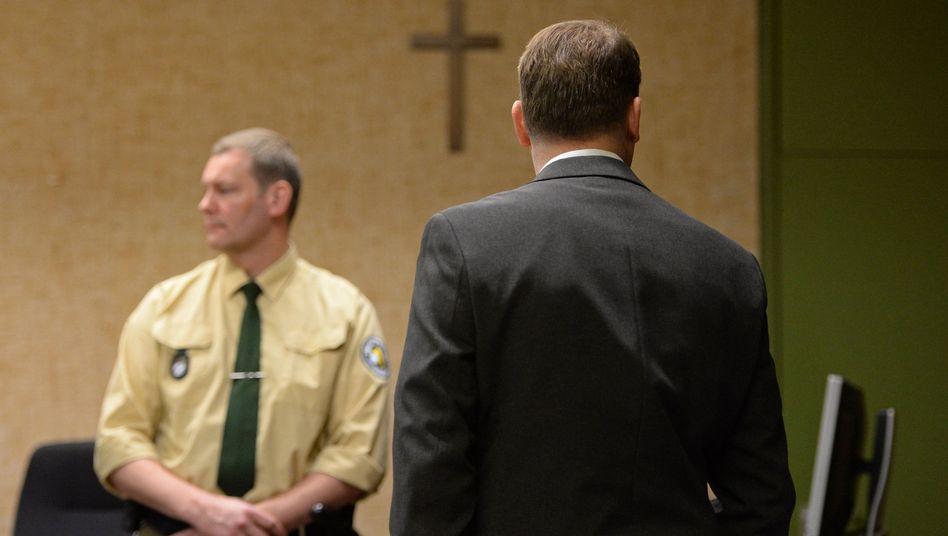 """Angeklagter Pater: """"Alle mir zur Last gelegten Vorwürfe sind unzutreffend"""""""