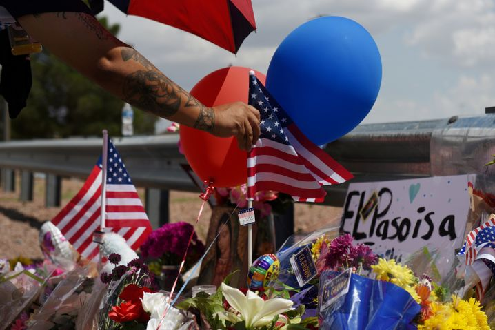 Trauer in El Paso: Was sind nun die richtigen Konsequenzen?