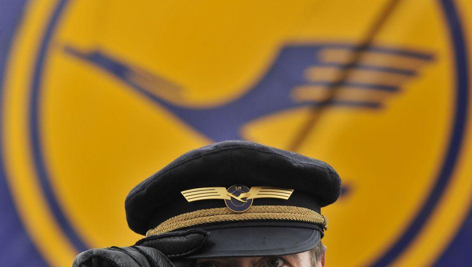 Auch vor und nach der Landung: Piloten haben den Hut auf