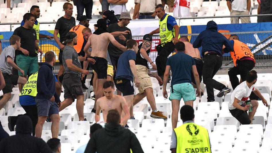 Russische Hooligans bei der EM 2016