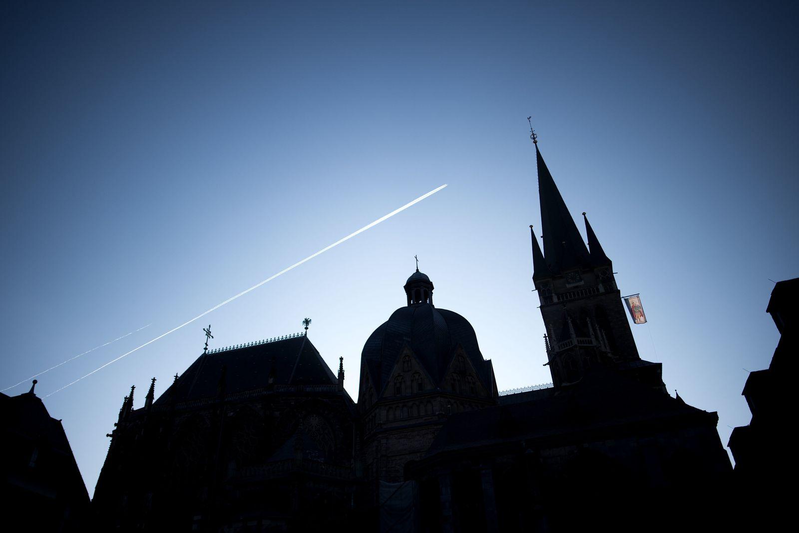 Staatsanwaltschaft ermittelt gegen Aachener Weihbischof