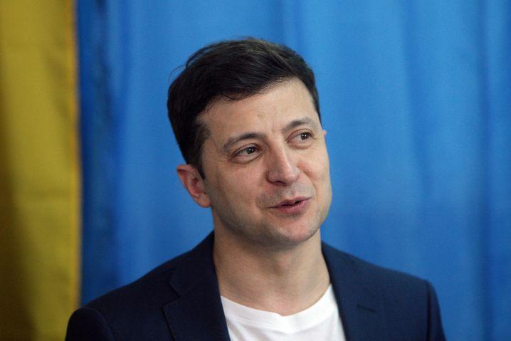 Der ukrainische Wahlsieger Wolodymyr Selensky am Ostersonntag im Wahllokal