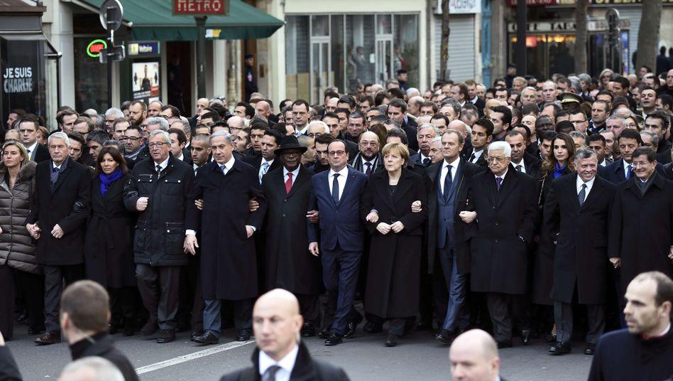 Staats- und Regierungschefs aus aller Welt beim Pariser Trauermarsch