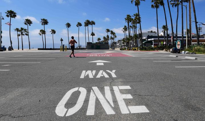 Santa Monica, California: Beaches to reopen soon - with restrictions
