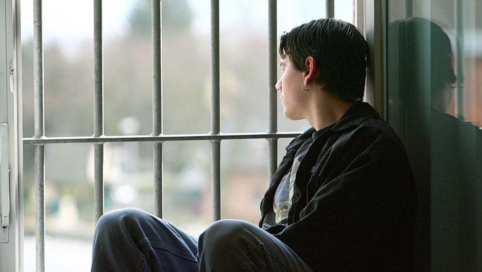 Je jünger Jugendstrafgefangene sind, desto höher die Rückfallquote (Archivbild).