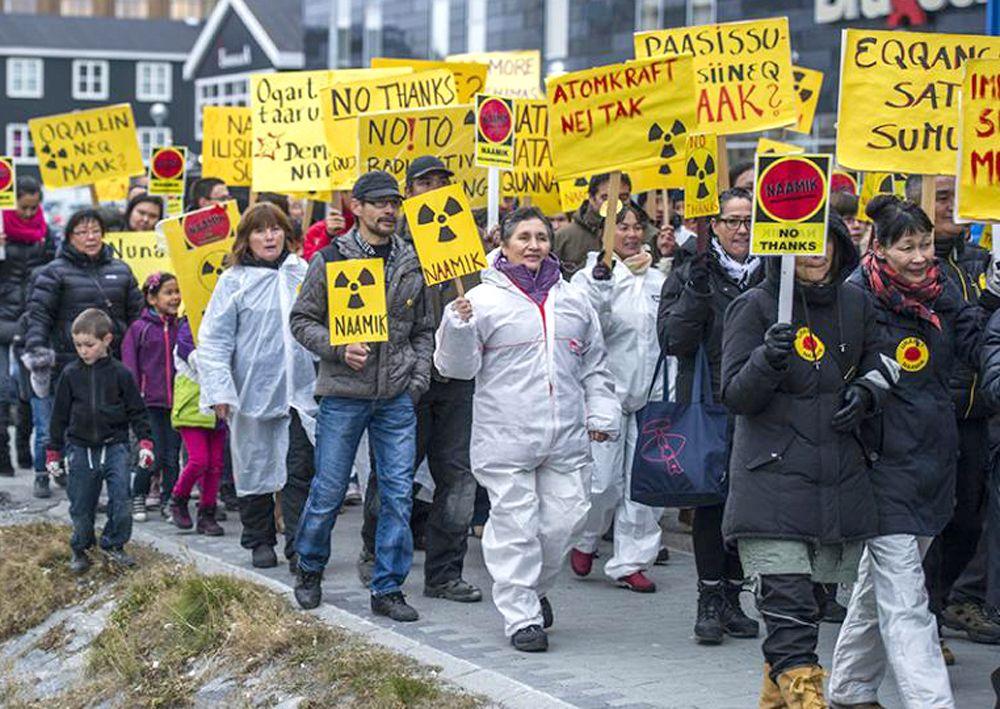 EINMALIGE VERWENDUNG Grönland / Protest / Uranförderung
