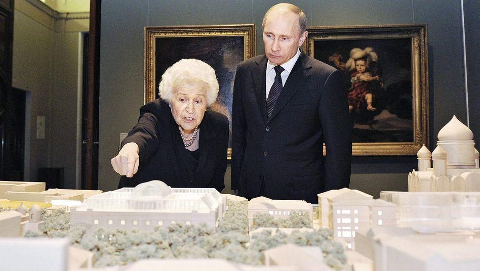 Kunsthistorikerin Antonowa, Besucher Putin im Puschkin-Museum: »Er versteht, dass die Kunst sich wandeln muss«